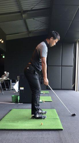 ゴルフ アドレス 手を垂らす